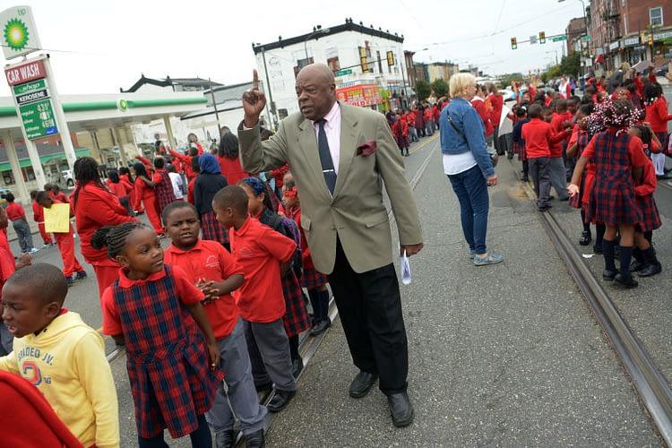 Walt Palmer rallying students
